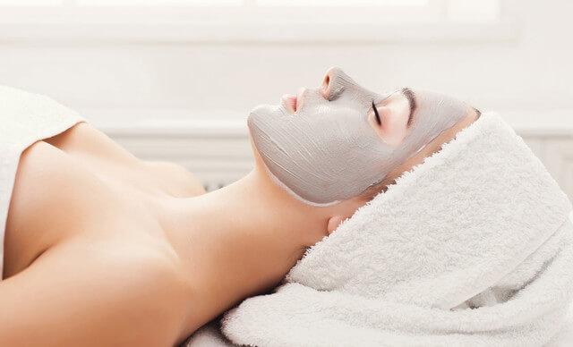 Tratamiento de higiene facial completa