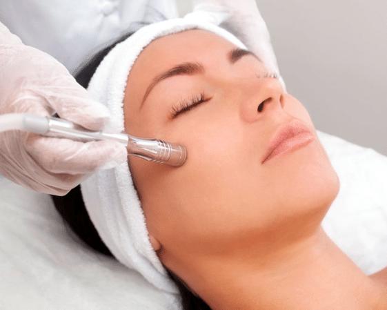 Higiene facial con punta de diamante 1